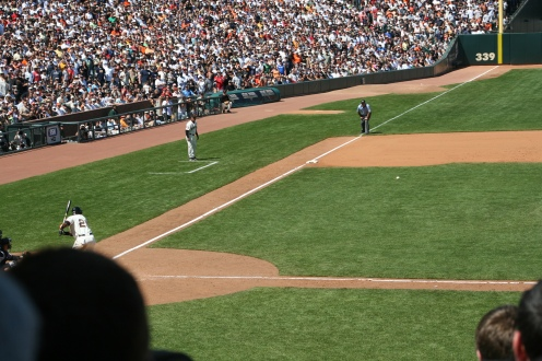 Roger Clemens delivers a pitch to Barry Bonds on June 24, 2007. Photo by Chad King.